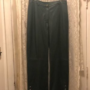 ST JOHN-HUNTER GREEN LEATHER PANTS W/GOLD SNAPS